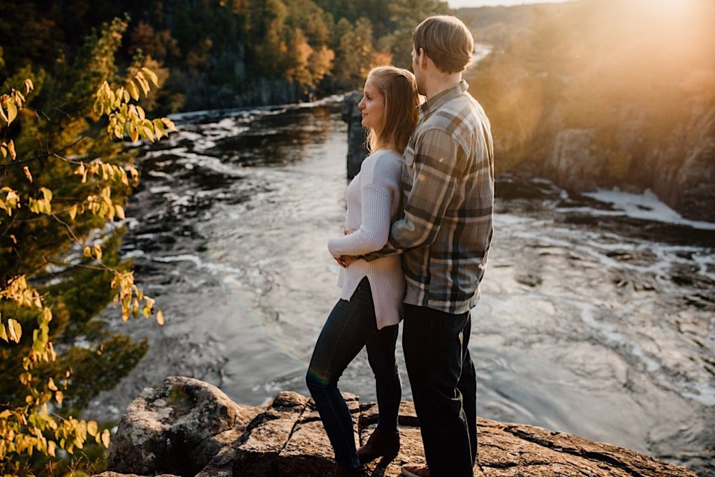 Adventurous & Fun Engagements session at Interstate State Park, Wisconsin // Cliff overlook